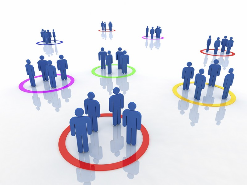 Phân nhóm khách hàng